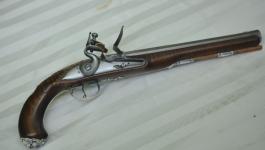 silver-mounted-nazereth-pistol-2